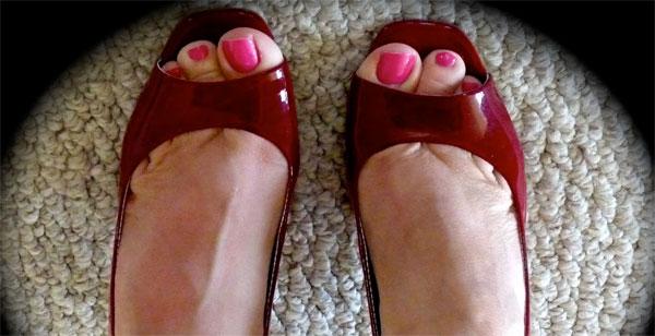 Неудобная обувь - одна из главных причин появления мозолей
